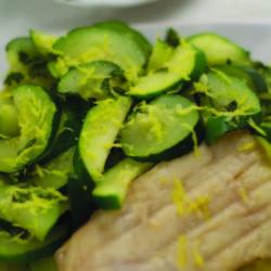 salau cu salata de dovlecei