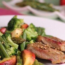 mușchi de vită cu salată