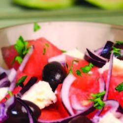 salată grecească de pepene verde cu telemea